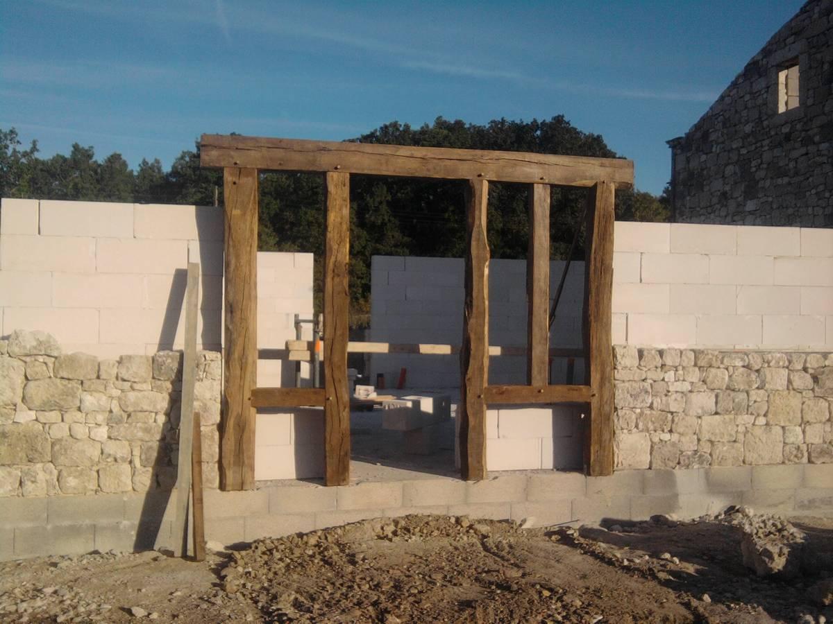 Vieux bois conceptsbois charpente et construction en bois for Pierre et bois construction